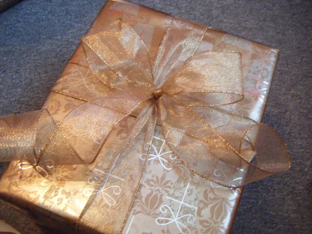 Comment emballer ses cadeaux de no l le sens du style - Comment emballer les cadeaux ...