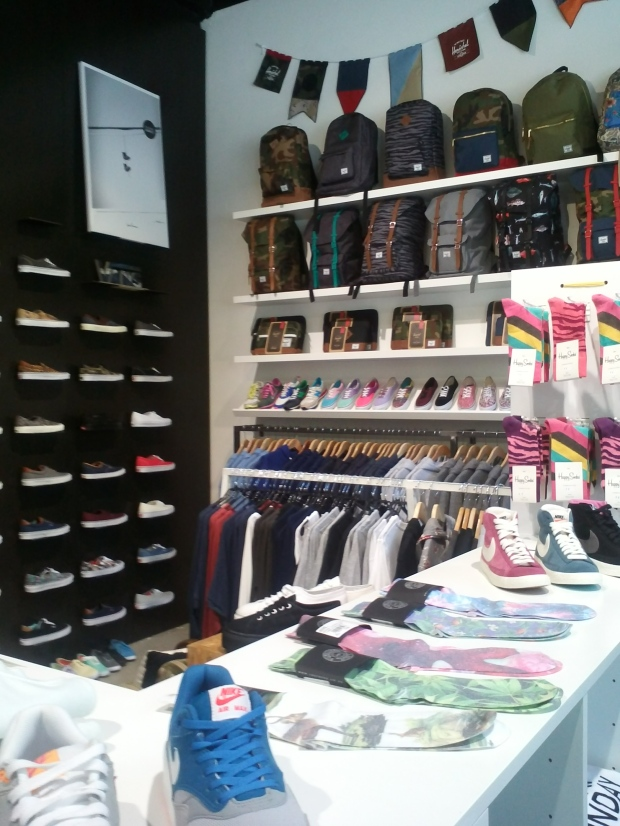 boutique-Extrabold-streetwear-Luxembourg-Hershel-souliers