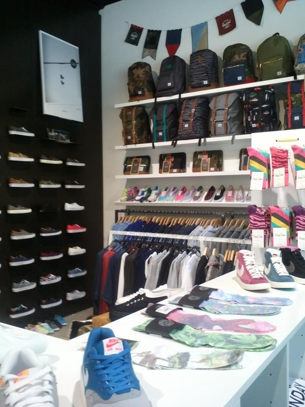 boutique-Extrabold-streetwear-Luxembourg-Hershel-souliers