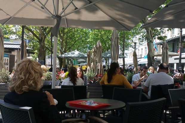 Place-d-Armes-terrasse-Luxembourg